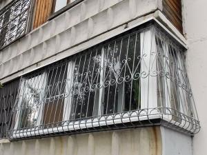 Кованая решетка на балконе в г. Куровское