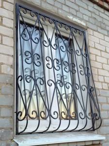Кованые решетки на окна в дер. Высоково