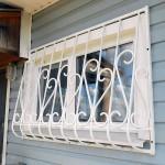 Кованые решетки на окна в дер. Запонорье