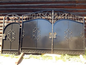 Кованые ворота и кованая калитка в г. Павловский Посад