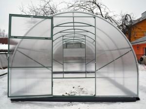 Усиленная теплица из поликарбоната с внутренней перегородкой в г. Воскресенск